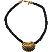 Elizabeth Arden Golden Beauty Shell Choker Necklace