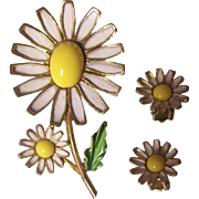 Weiss Enamel Daisy Brooch & Earrings Set