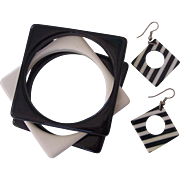 FAB Black & White Lucite Set- 3 Bangles, Pr Earrings