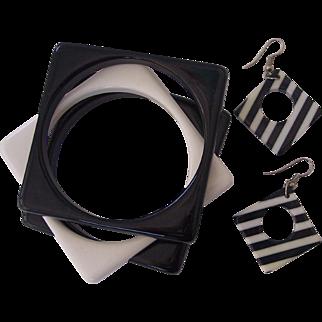 FAB Black & White Lucite Set- 3 Bangles, Pr Earrings