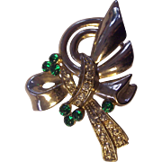 Festive Brooch Green Rhinestones in Gold tone