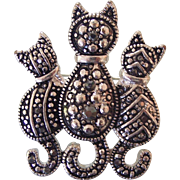 Darling Cats Brooch in Silver tone
