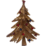Nice Vintage Textured Rhinestone Christmas Tree Pin
