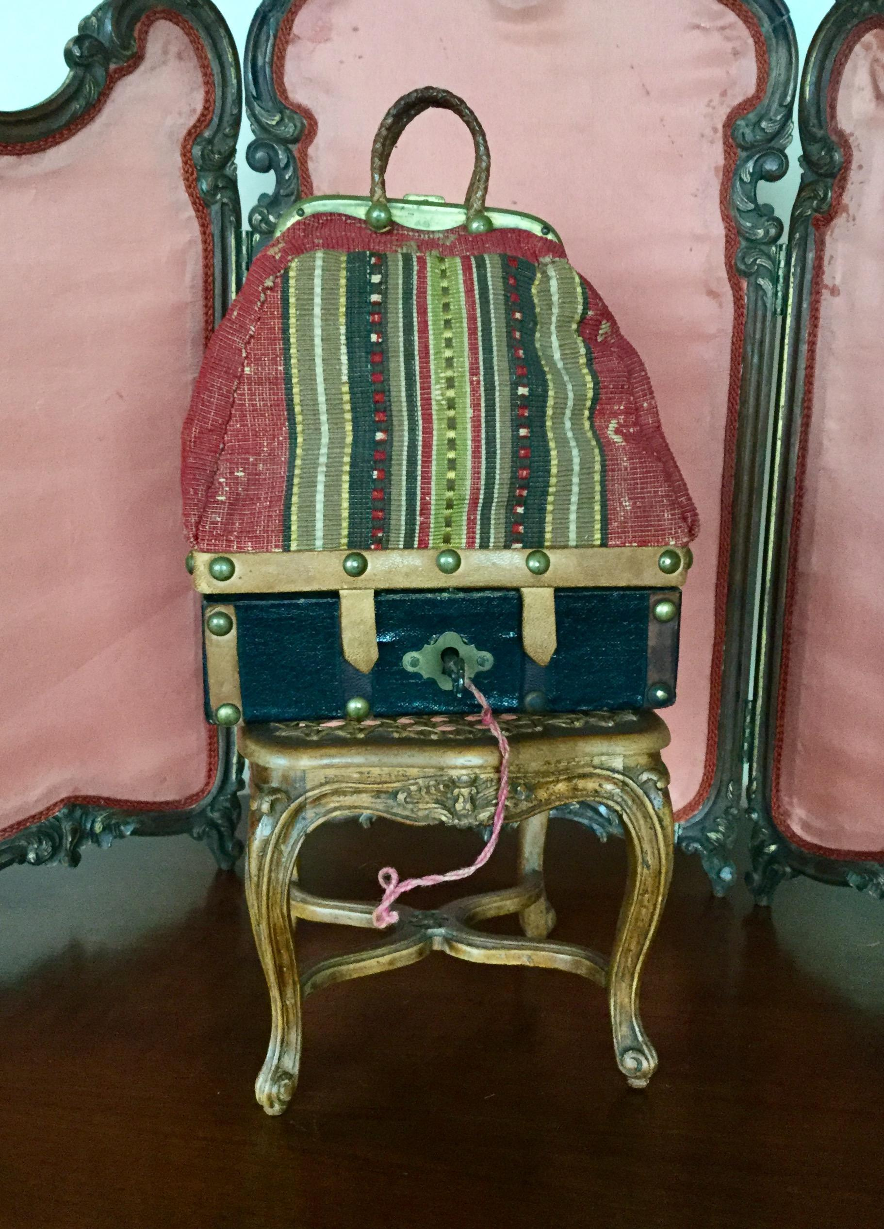 rare antique sac du voyage for your french fashion or bebe dolls from cadeaux on ruby lane. Black Bedroom Furniture Sets. Home Design Ideas