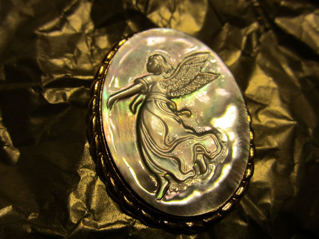 SALE  Cameo Angel Mother of Pearl Abalone Pin Pendant