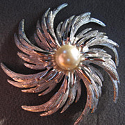 Stunning Demi Parure Silver Swirl Pin & Earrings with fx Pearl signed