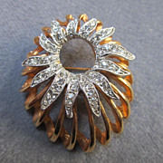 Fabulous Unique Rose Gold colored Pin with Brilliant  Austrian Crystals