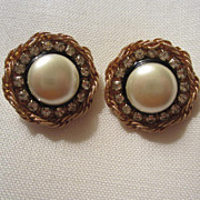 Beautiful  signed Patti Horn Mabe Pearl (faux) Earrings