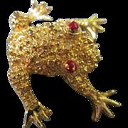 Vintage Figural Frog Pin Ruby Red Crystal Eyes