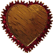 Beautiful VintageTextured Heart Prong Set Ruby Red Crystal Rhinestone Pin