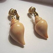 Vintage Classic Seashell Earrings signed