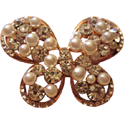Beautiful Vintage Sparkling fx Pearl & Rhinestone Butterfly Pin