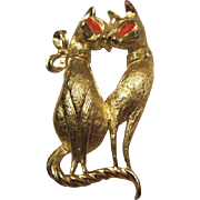 Vintage Siamese Cats Mid Century Figural Brooch/Pin