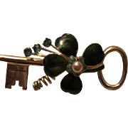 Coro Pegasus 4 Leaf Clover Shamrock Guilloche Enamel Key Vintage Brooch Pin Signed