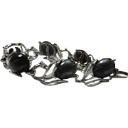 Wonderful Charcoal Moonglow Silver tone Flower Vintage Bracelet