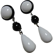 Striking Mod Retro Black and White Dangle Vintage Lucite Clip Earrings