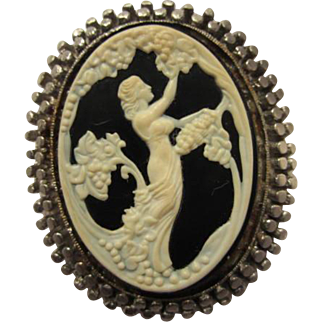Unique Maxfield Parrish Art Nouveau Style Molded Glass Nymph Cameo Brooch Pin
