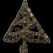 Lovely Vintage Rhinestone Christmas Tree Brooch Pin