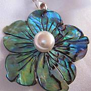 Stunning Iridescent Paua Abalone Flower fx Pearl Vintage Pendant