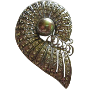Fabulous Sparkling Shell Pave Set Rhinestones fx Huge Gray Pearl Silver tone Vintage Brooch Pin