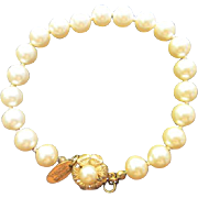 Gorgeous Miriam Haskell Signed simulated Pearls Gold Flower Clasp Plated Vintage Bracelet