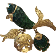 Fabulous Detailed Green Enamel Gold Color Fish Three Dangles Fishes Sand dollar Vintage Figural Brooch Pin