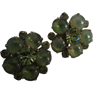 Gorgeous Weiss Signed Stunning Green Givre Cabochons Green Swarovski Faceted Crystal Vintage Clip Earrings