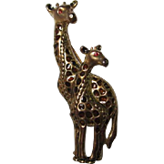 Substantial Giraffe and Baby Figural Enamel Gold tone Vintage Brooch Pin