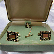 Anson Signed Gold plated Cufflinks and Tie Tac in Original Vintage Box