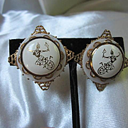 Siam 1930s Niello Traditional Thai Dancers White on Gold Gilt Rare Vintage Screw Back Earrings
