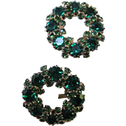 Weiss Signed Emerald Green Swarovski Crystal Wreath Vintage Clip Earrings