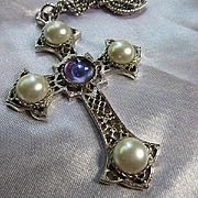 Signed Sarah Coventry fx Mabe Pearls Amethyst Cabochon Ornate Silver tone Cross Vintage Pendant Necklace