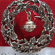 Jezlaine Signed Sterling Silver Christmas Wreath Hanging Bell NOS Vintage Brooch Pin