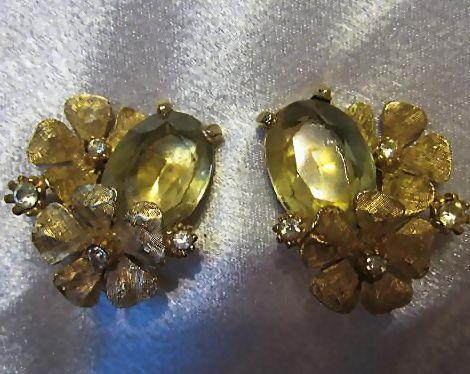 Signed ART Gorgeous Art Deco Style Citrine Oval Glass Flowers Clear Austrian Crystals Vintage Clip Earrings