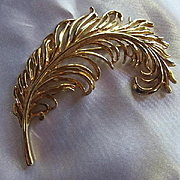 Gorgeous Large Feather Plume Gold plate Statement Vintage Brooch Pin