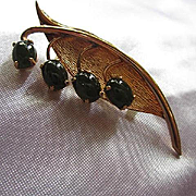 Classic Jade Gold filled Signed Mid Century Modern Vintage Brooch Pin