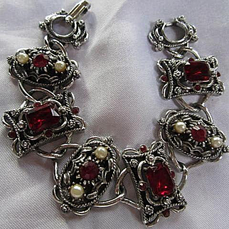 Gorgeous Ruby Red Austrian Crystals Fx Pearls Victorian Style Silver tone Vintage Bracelet