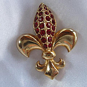 Gorgeous Classic Fleur de Lis Gold plated Sparkling Ruby Red Swarovski Crystals Vintage Brooch Pin