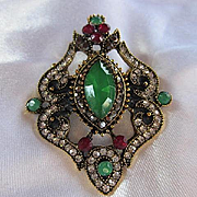 Gorgeous Jewels of India Inspired Great Pretender Sparkling Crystal Glass fx Gemstone Vintage Brooch Pin