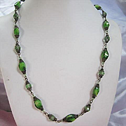 Gorgeous Art Deco Green Art Glass Vintage 23 inch Necklace