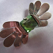 Art Deco Sterling Silver Green Vaseline Trapezoid Glass Point Up Unique Vintage Brooch Pin