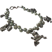 Fabulous Froggy Green Genuine Pearls Frog Figural Charms Vintage Bracelet