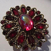 Red Marquise Iridescent Red Cabochon Art Glass Unsigned Beauty Vintage Brooch Pin