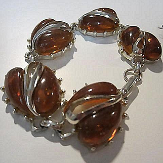 Fab 1950s Amber Lucite Chunky Silver tone Vintage Bracelet