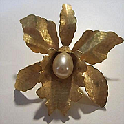Lovely Textured Orchid Flower Figural fx Pearl Vintage Brooch Pin