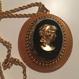 Huge Cameo Gold tone Black Glass Vintage Statement Oval Pendant Rope Chain Necklace