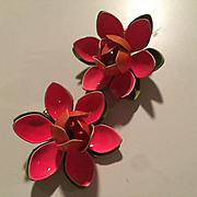 Pink Green Flower Power 1960s Enamel Vintage Clip Earrings