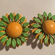 Green Yellow Flower Power 1960s Enamel Vintage Clip Earrings