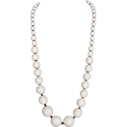 White marble like plastic bead necklace vintage jewelry
