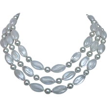 Vintage icy white candy beads necklace elegant jewelry
